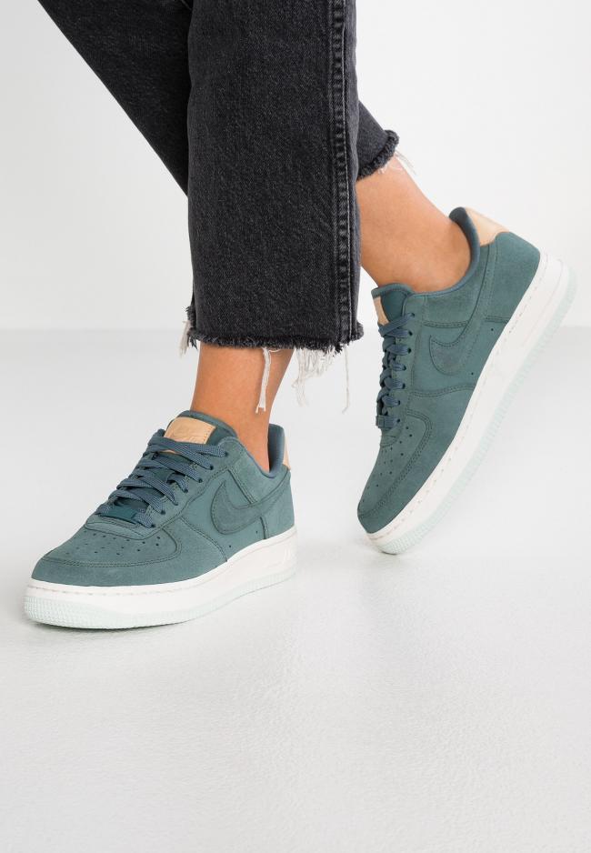 Sneaker | Nike Damen AIR FORCE 1 '07 PRM Hasta/Summit